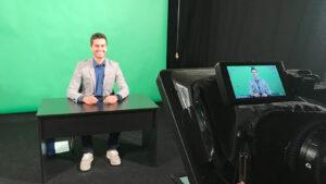 Moderator für online events 1 Truck TV Moderator / Nachrichtensprecher Jürgen Winterleitner News Anchor web-tv nachrichten