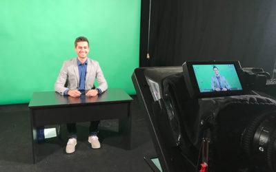 1 Truck TV Moderator Jürgen Winterleitner in der Greenbox vor der Kamera
